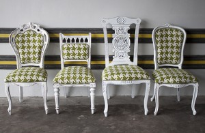 mismatched-dining-chairs